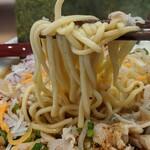 麺小屋 てち - 麺上げ(中太麺)