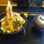 旬処 いさ路 - アナゴ天丼・1350円(税抜き)でっかい穴子だけど、余りお得感は感じられない(´▽`;) '`'`