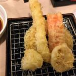 かっちゃん - セットの天ぷら盛り合わせ