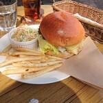 ディライト - 料理写真:チーズバーガーセット