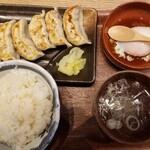 肉汁餃子のダンダダン - 肉汁餃子ライス(700円)