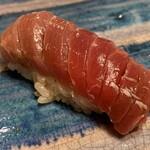 第三春美鮨 - シビマグロ 99.4kg 腹上二番 中トロ 熟成3日目 釣 房州勝浦