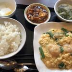 128792958 - 海老と卵の炒め物定食
