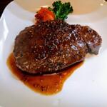 京洋食文吉 - ランチステーキ1100円税込み。けっこう大きい!