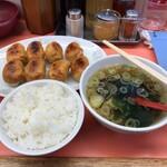 128794642 - 焼餃子+ライス+わかめスープ