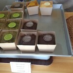 WISSH - 料理写真:ガトーショコラ2種類