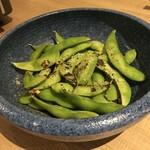 大曽根酒場 ハチ鶏 - 焼き枝豆