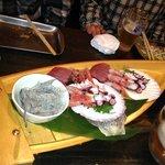 浜焼き酒場波平商店 - 刺身の盛り合わせの船盛
