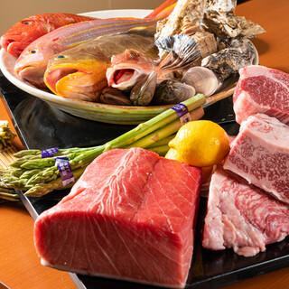 """北海道では食べられないような魚も◎新鮮な""""刺し盛り""""が大人気"""