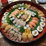 旭寿司  - 料理写真:寿司4人前