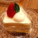 パンとお菓子の店 toco toco - 苺のショートケーキ!