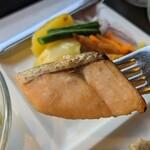 グリル&ダイニング マンハッタンテーブル - [料理] 焼き鮭 アップ♪w