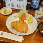 128824974 - 特ロースかつ+ご飯+赤だし 2400円(税込)