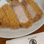 128824980 - 特ロースかつ+ご飯+赤だし 2400円(税込)