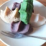 菊壽堂義信 - 銘菓高麗餅(4種類の餡+胡麻でワンセット)