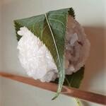 菊壽堂義信 - 桜餅