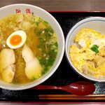 浜鶏 - 浜鶏ラーメン+ミニ親子丼(¥1130)。ルーツは鶏肉店、そのこだわりを感じさせる組合せ