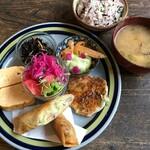 南果 - 料理写真:オーガニック野菜の日替わりランチ