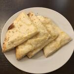 エレファントハウス - チーズナン