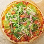 ゆるりと菜村さ来 - 鴨ロースとレタスのサラダピザ
