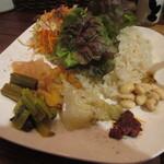 カレー食堂 コモやん。 - ご飯や野菜、豆類