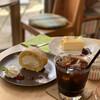ラ カピ - 料理写真:紅茶のロールケーキ、チーズケーキ、アイスコーヒー
