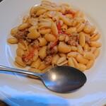 PESCHERIA - トマトとサルシッチャのニョケッティ。