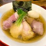 Mari iida - 特性白煮干生中華そば
