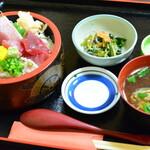 魚亭 岡ざき - 鮪三色丼