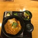 車 - チキンカツ丼(税込み1000円)