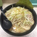 五衛門 - 豚骨醤油ネギチャーシュー麺
