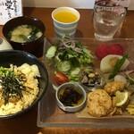 笑姫きっちんef - 愛媛のお昼ごはん1200円税抜、Cレモン出汁の鯛めし茶漬け選択