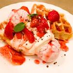 アンジェラ - 苺とマスカルポーネ ワッフル