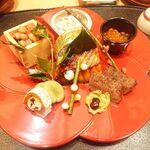 128901322 - 八寸(豆と野菜の炊き込み、鮎の稚魚、いくら、鯖寿司佐賀牛のサーロインの炭火焼き、サーモン、ふきのとう赤みそがけ、空豆、干し柿のレーズンバター)