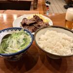 128905784 - 牛たん定食B(5枚・テールスープ・麦ご飯)!