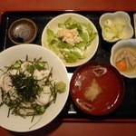 ダイニング石井 - 料理写真:海鮮ねばトロ丼750円
