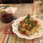 トラノモンパスタ - 赤ワイン&ミニサラダ