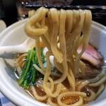 らーめん三極志 - 三極志の家系らーめんⅡの麺リフト