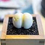 レスト ケイ ヤマウチ - レモンのマカロン
