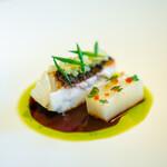 レスト ケイ ヤマウチ - 真鯛 ふきのとう うど りんご