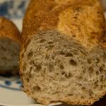 墨繪パン - 料理写真:つぶ麦パン