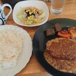 パセリ - ハンバーグランチ 820円