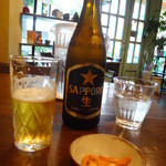 草の実 - ビールに柿ピー