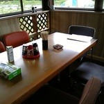 屋台ラーメン - テーブル席