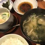 喰しん房松むら - 味噌汁と茶碗蒸し