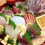 大漁市場 こんぴら丸 - 刺身盛り合わせ(竹)
