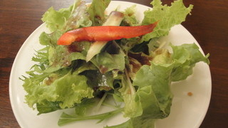 シェフひとり10席だけのイタリアン Trakane - ランチ(1200円)のサラダ