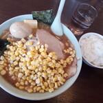 ラーメン ジャンボ餃子 天神 - 料理写真:味噌バタコーン玉子チャーシュー麺と小ライス