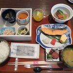 日本料理 芝桜 - 和朝食