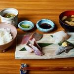 食と和酒の店 暁 - 期間限定夜の お刺身定食